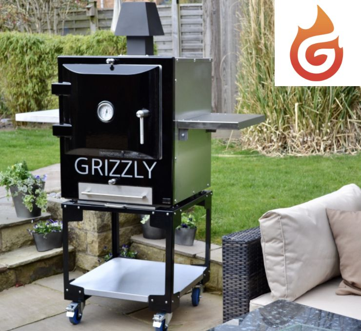 Grizzly Cubster outdoor oven