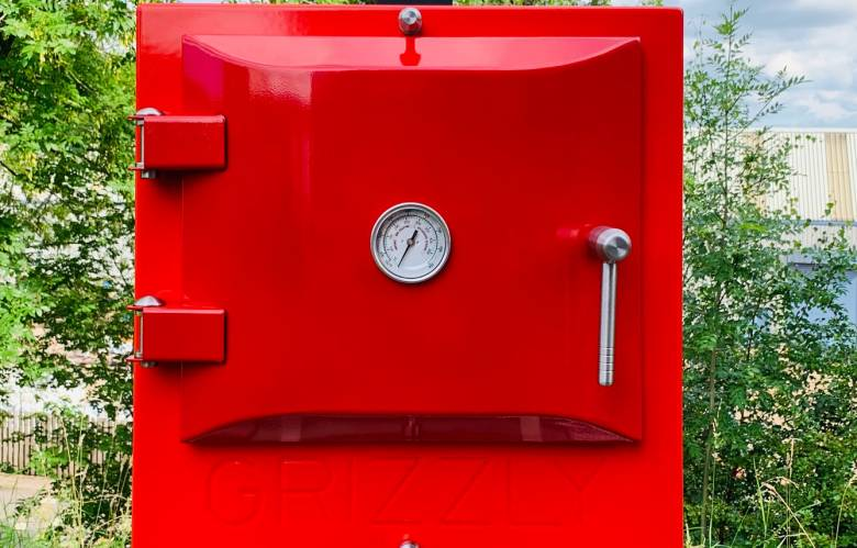 Striking red Grizzly outdoor oven